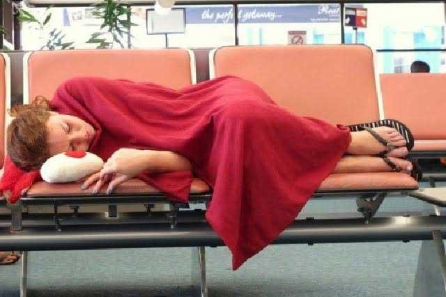 Crisis financiera llevó a una mujer a mudarse a vivir a lujoso aeropuerto