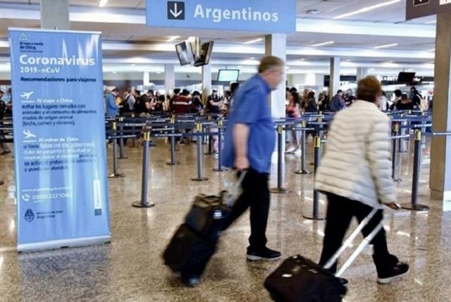 En Cancún se contagian de Covid 44 alumnos argentinos
