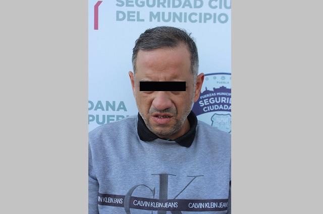 Detienen en Puebla a estafador de usuaria de cajero automático