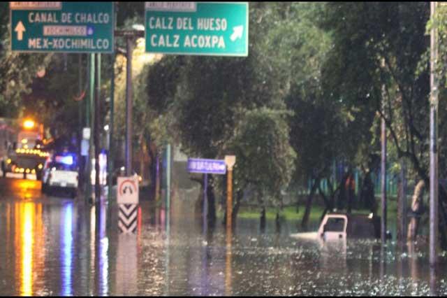 Lluvias en la CDMX afectaron decenas de domicilios y destruyeron vehículos