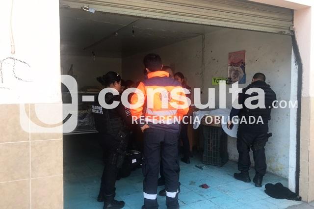 Lesionan a mujer en asalto a panadería en Puebla