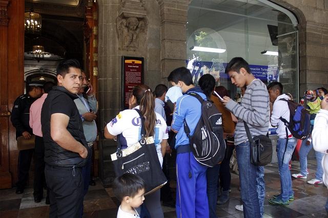 Peregrinan en busca de boletos para el Puebla-Boca Juniors