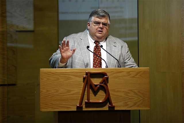 Anuncia Agustín Carstens que en julio de 2017 renunciará a Banxico