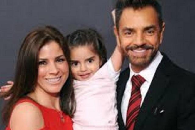 Eugenio Derbez y su hija Aitana en divertida guerra de pastelazos