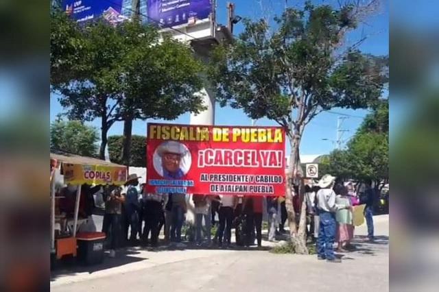 En Ajalpan exigen la detención del edil Ignacio Salvador