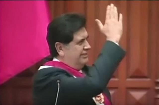 Muere Alan García, ex presidente de Perú, tras darse un tiro en la cabeza