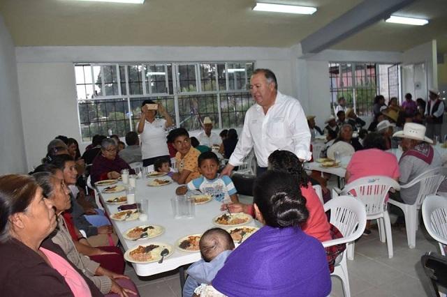 Albergue a jornaleros y comedores comunitarios entrega Sedesol