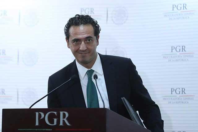Alberto Elías, titular de la PGR, se descarta para la Fiscalía General