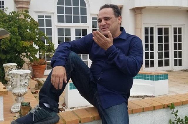 Alberto Aguilera Jr. busca anular testamento de Juan Gabriel