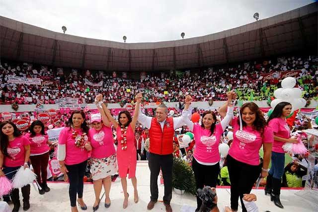 Acusa Beltrones violencia extrema contra mujeres en Puebla