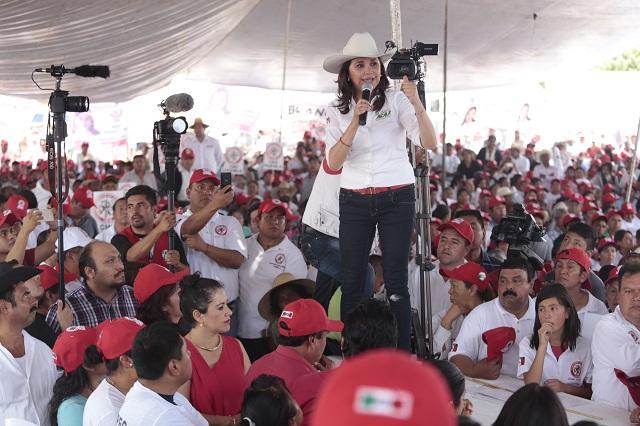 Denuncia el PAN a Blanca Alcalá por enriquecimiento ilícito