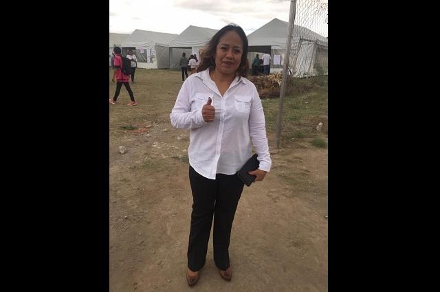 Vota alcaldesa de Cuautlancingo y reporta calma en el municipios