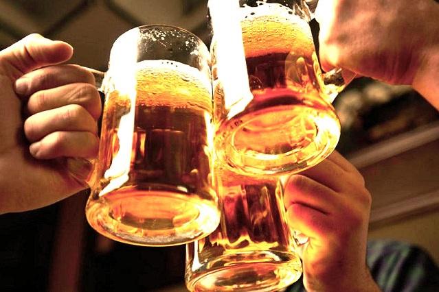 Relacionan consumo moderado de alcohol con riesgos de cáncer
