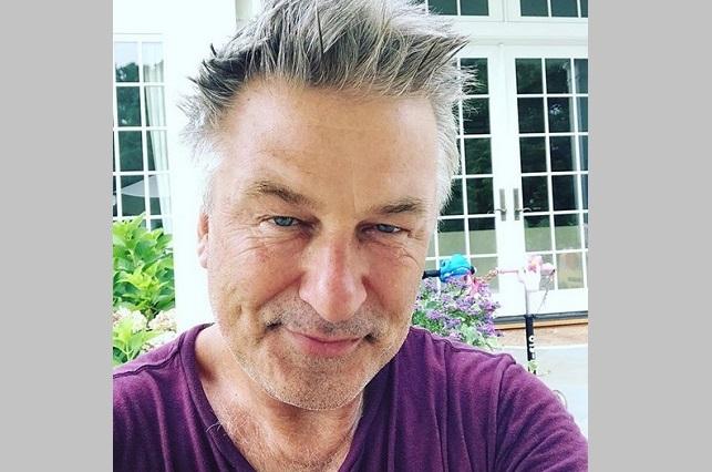 Alec Baldwin enfurece con su hija por foto provocativa en Instagram