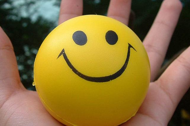 La alegría no es sinónimo de felicidad, es cuestión de empatía