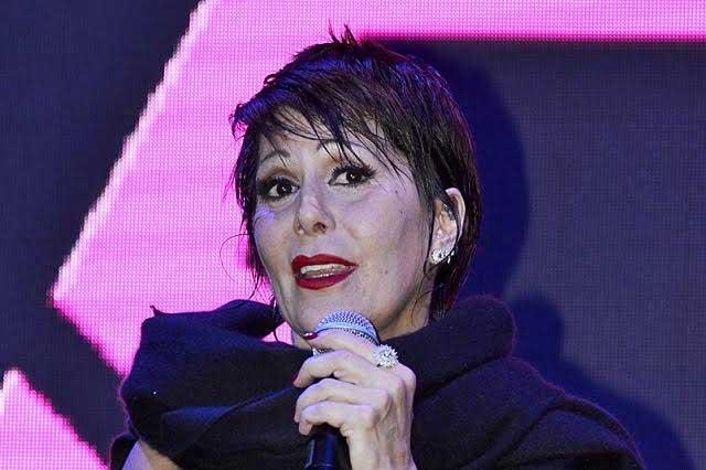Alejandra Guzmán se soltó del estómago al tramitar su visa en EU