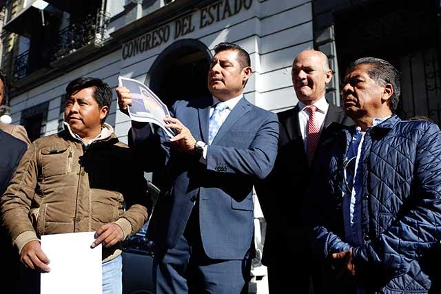 Abrir cuenta pública de RMV pide Armenta al Congreso