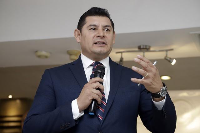 Armenta Mier descarta renunciar a Morena y regresar al PRI