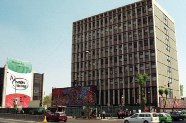 Alejandro Moreno busca hipotecar edificio del PRI en CDMX