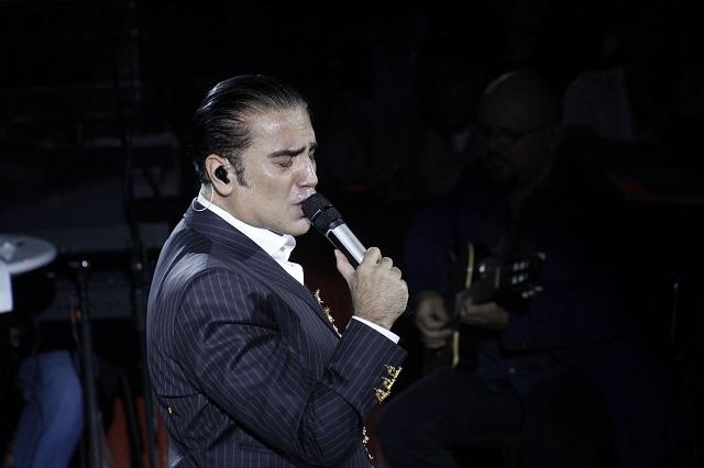 Alejandro Fernández cumple 48 años en medio de la polémica