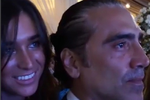 Resultado de imagen para Alejandro Fernández y su novia muy enamorados durante una boda