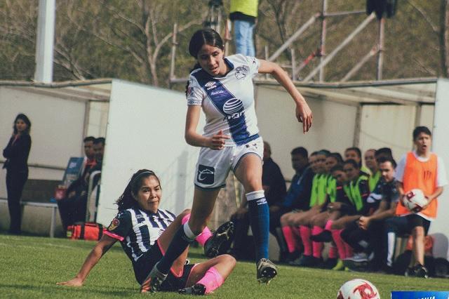 Alexandra Godínez, defensa del Puebla, convocada a Selección
