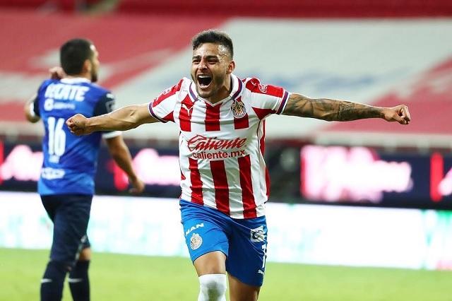 Alexis Vega será baja con Chivas durante el repechaje
