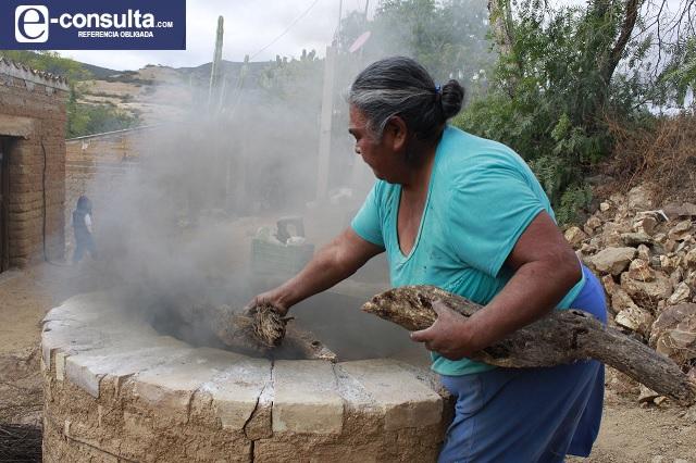 Conoce el oficio de las alfareras de Zapotitlán Salinas
