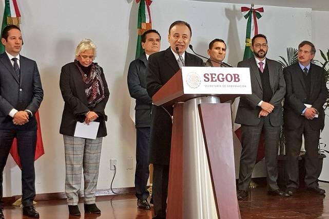 Gobernadores respaldan combate a ladrones de combustible