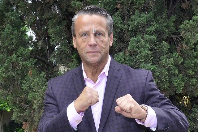 Alfredo Adame estalla contra reportero por chiste de Platanito