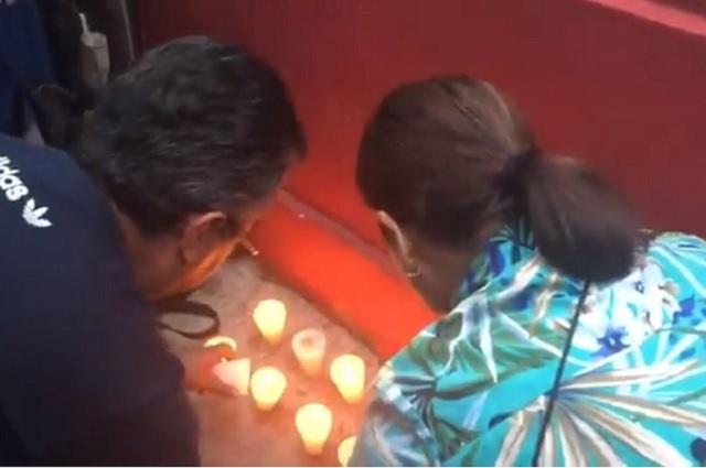 Colocan altar en casa de campaña de AMLO para que la Virgen lo proteja