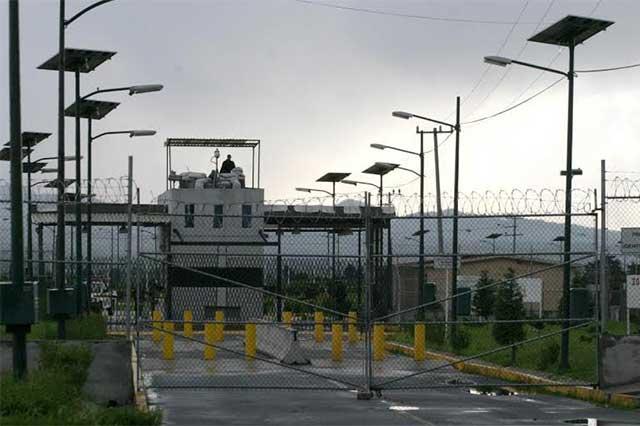 Piden investigar a la Conagua por fuga de El Chapo
