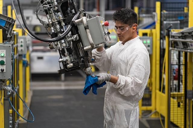 Crecen producción y exportaciones automotrices de Puebla: SE