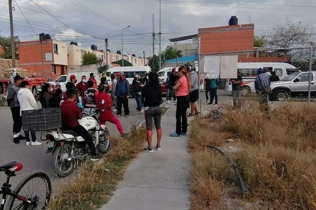 En Tehuacán vecinos tienen casi un año sin alumbrado público