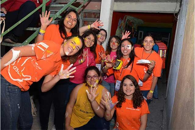 Alumnos de la Universidad Anáhuac acondicionan espacios públicos