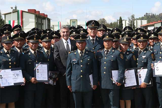 Preside secretario de la Defensa graduación en la XXV Zona Militar