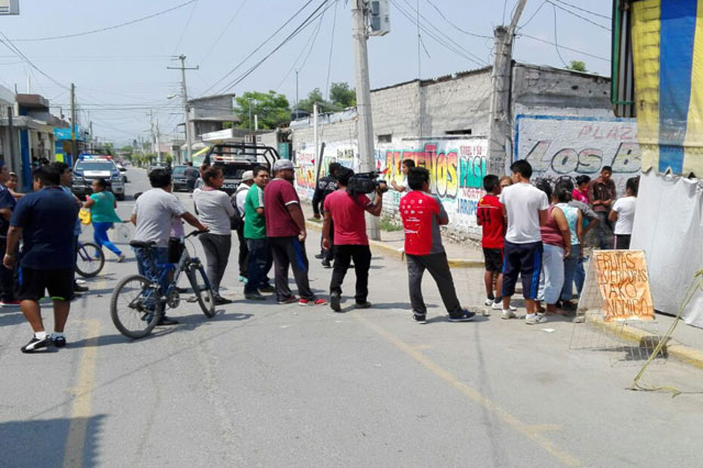 Amagan con linchar a 3 jóvenes por intentar robar en casa de Tehuacán