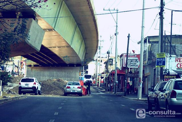Puente de Amalucan, pesadilla para vecinos y comerciantes