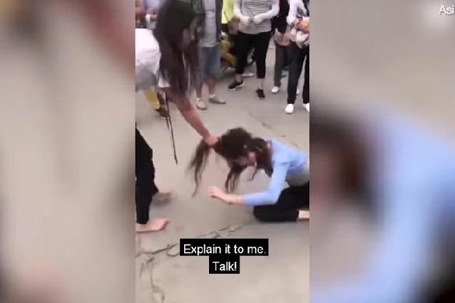 VIDEO: Mujer jala del cabello y golpea a presunta amante de su esposo