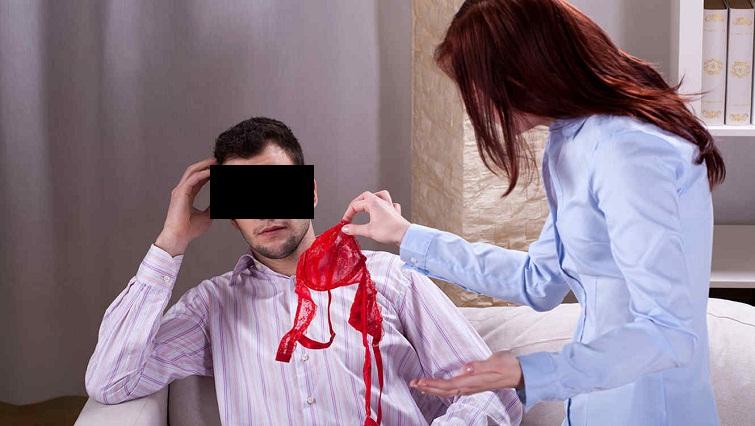 Su novia y su amante le arman escándalo a un joven en el hospital