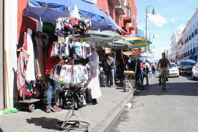 Por Día de Muertos, ambulantes ganan calles en la capital