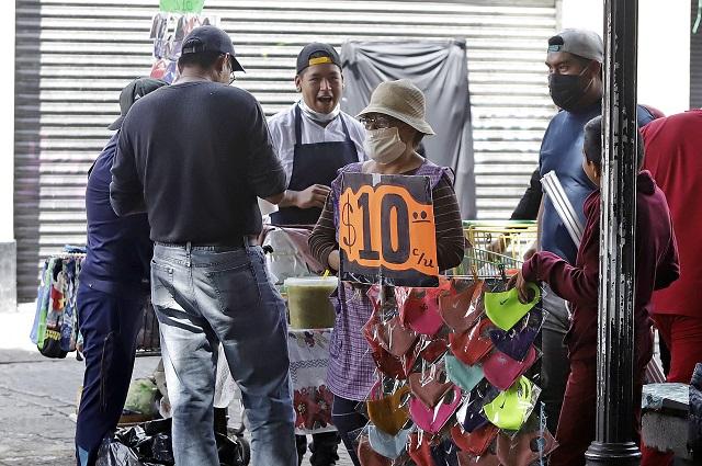 Renovaron permisos a 1,552 ambulantes en Puebla capital