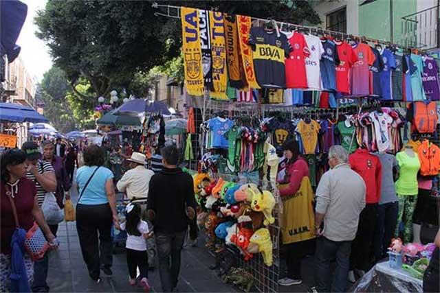 De 5 a 10 pesos por puesto cobrarán a ambulantes en Puebla