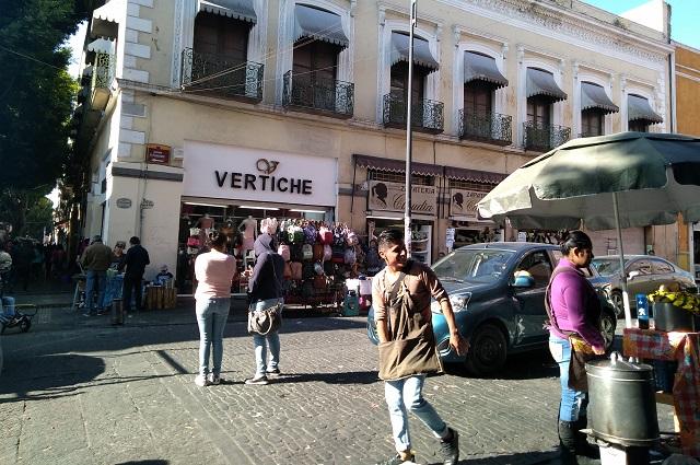 Acaba el año con ambulantes sin control en el centro de Puebla