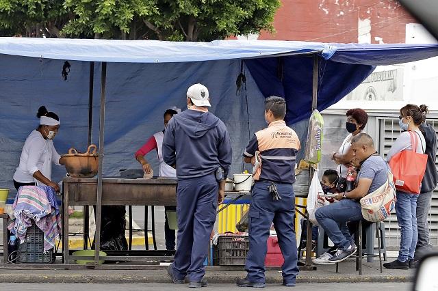 Empresarios reprochan tolerancia a los ambulantes en Puebla