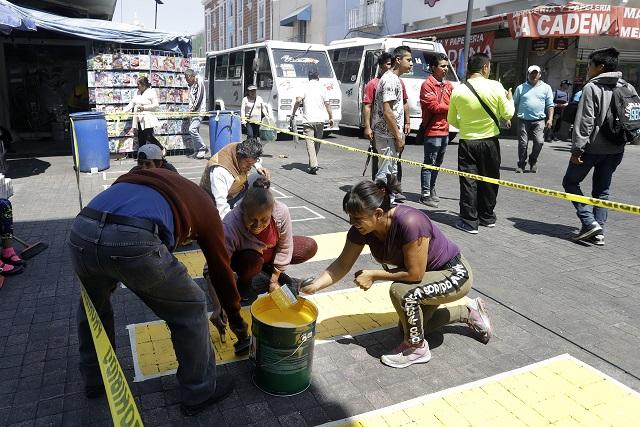 Ambulantes enchulan calles del Centro Histórico