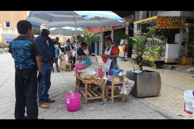 Ambulantes de Tehuacán se resisten a dejar la vía pública