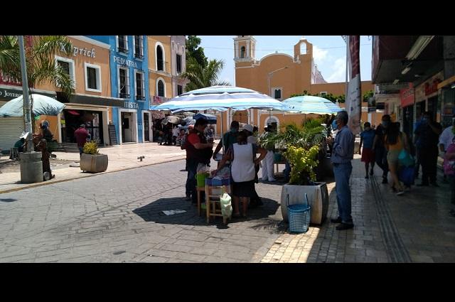Pese a Covid-19 ambulantes siguen instalándose en Tehuacán