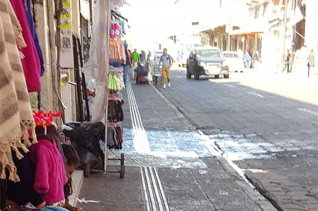 Vuelven ambulantes a la 10 Poniente; culpan al municipio