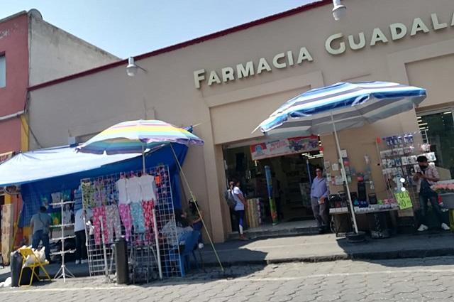 Ambulantes ignoran contingencia y ocupan calles de Puebla